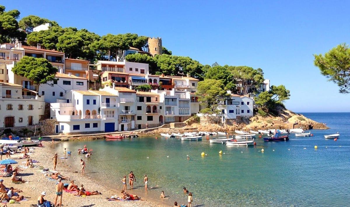 Borghi marinari costa catalana: Begur Vicky spiaggia pirata