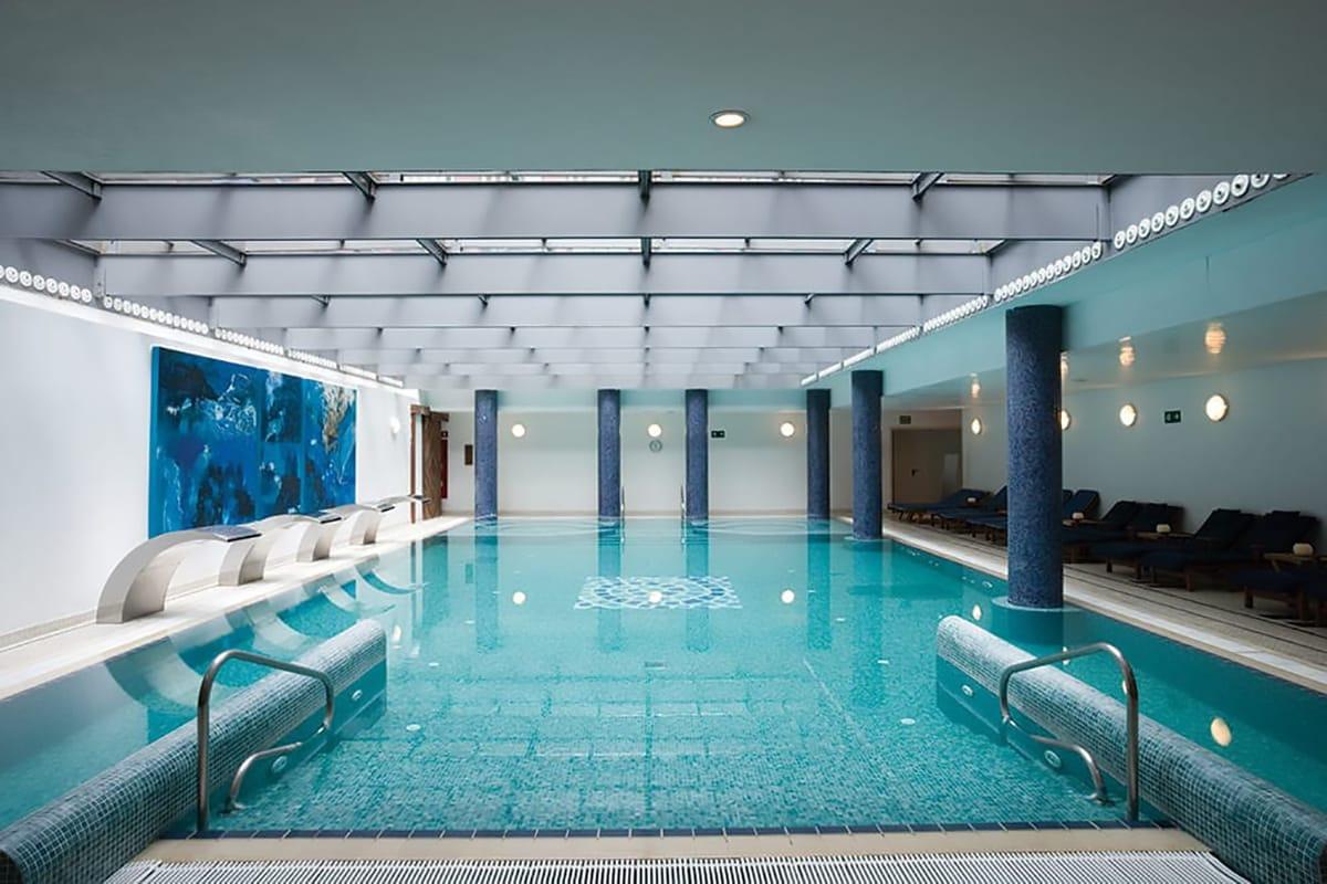 Borghi termali Barcellona interno piscina