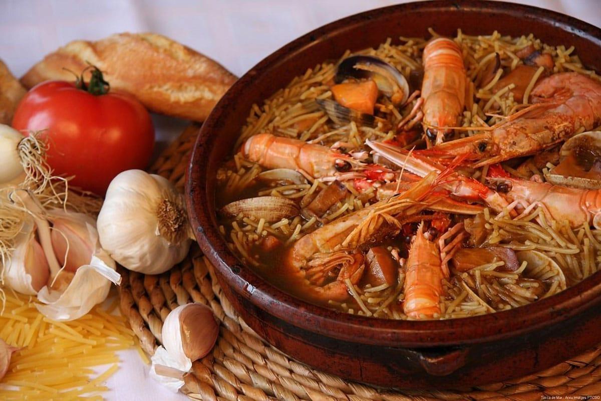 Migliori ristoranti di Barcellona: Fideua con ingredienti