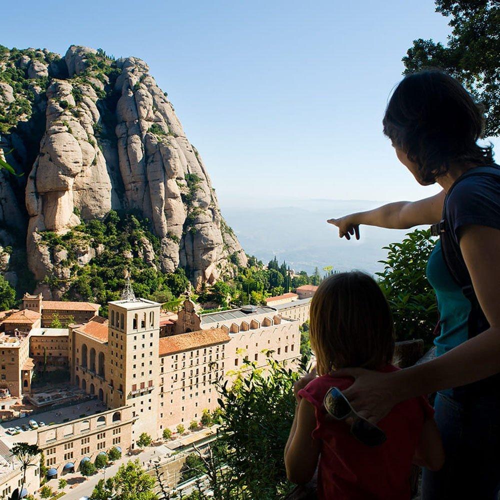 Trekking a Montserrat famiglia