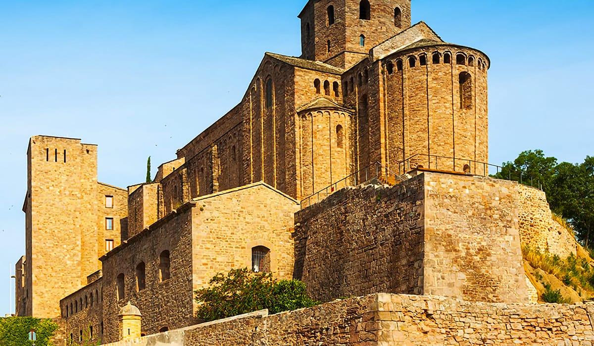 Castello di Cardona esterno