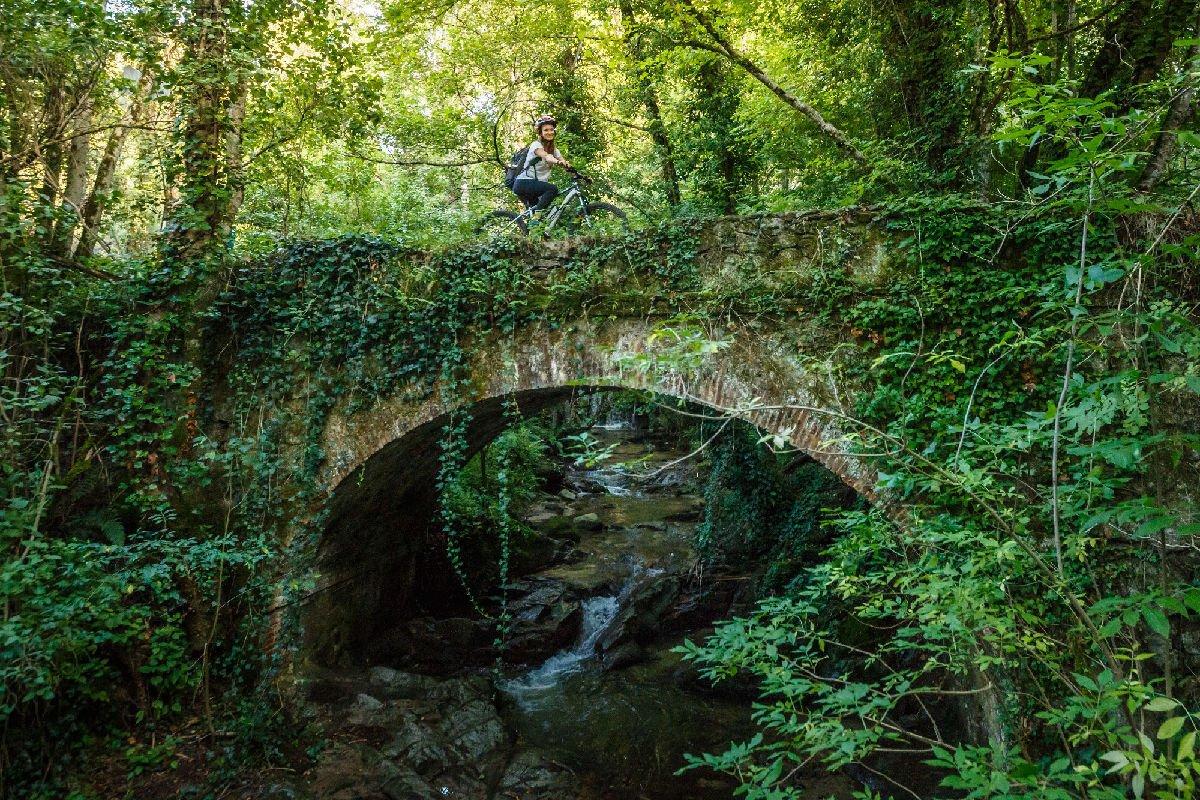 Visitare Viladrau con la bici elettrica