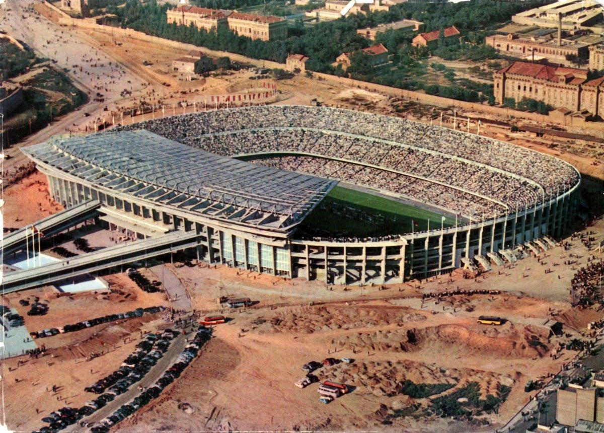 Lo stadio di FC Barcelona in costruzione