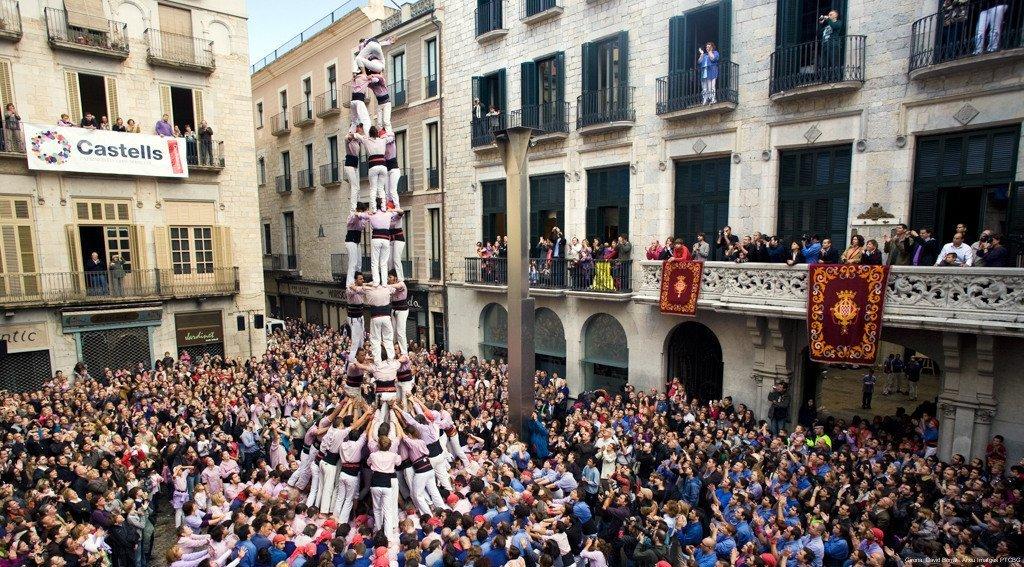 Cultura e tradizione a Girona: i Castellers