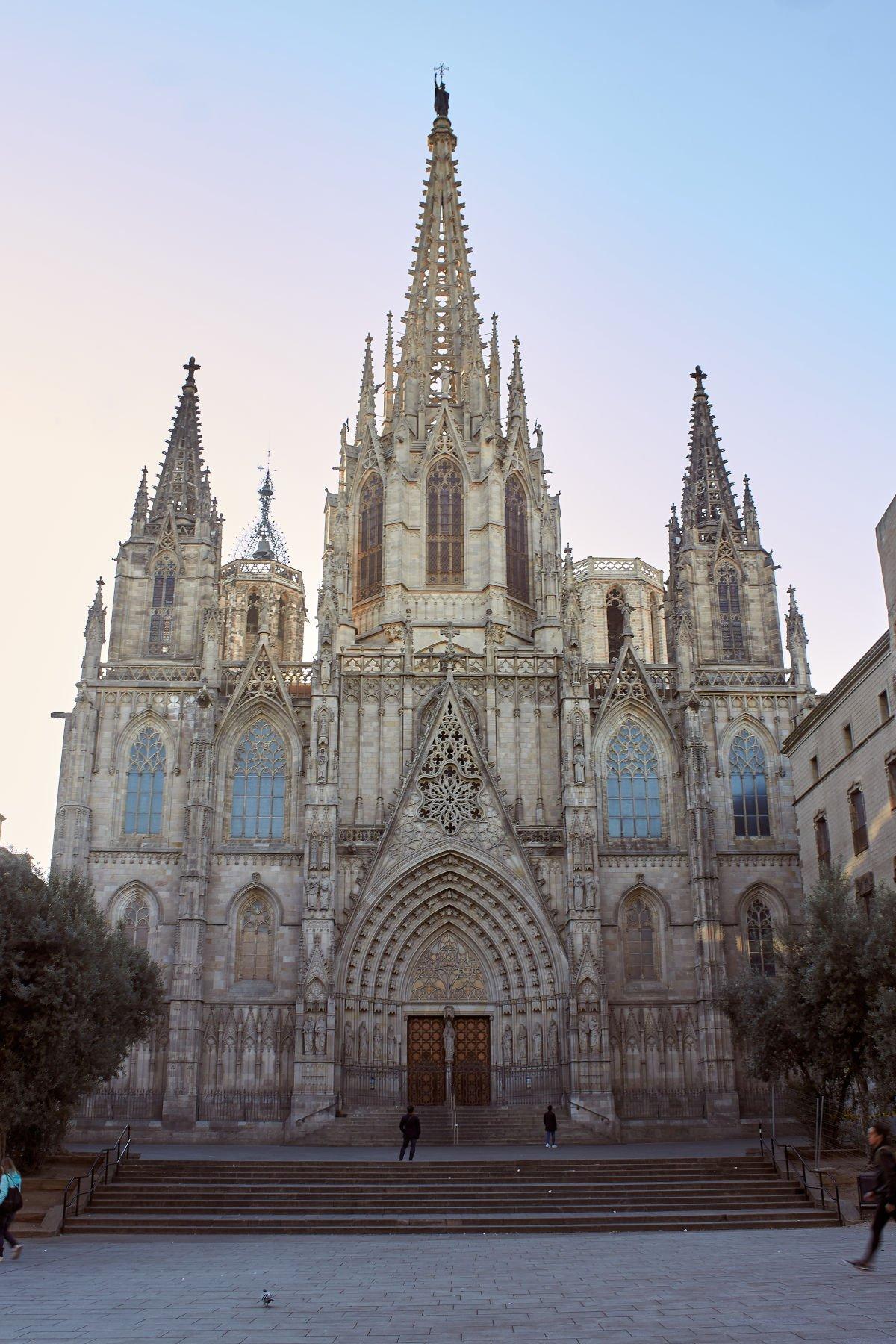 Cattedrale di Barcellona vista da fuori