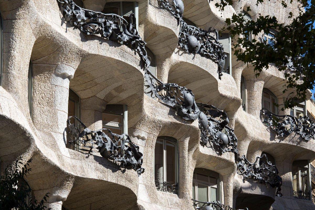 La Pedrera finestre e balconi
