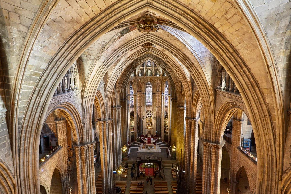 All'interno della cattedrale di Barcellona