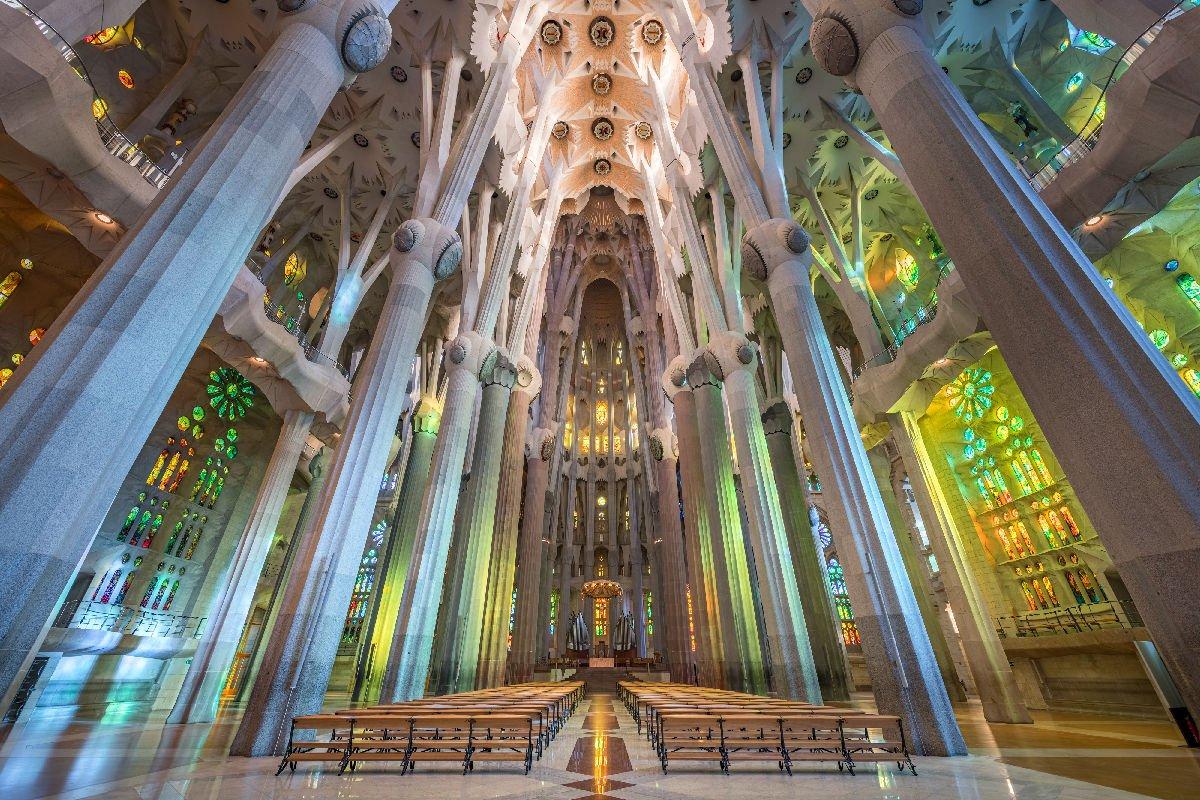 Sagrada Família navata centrale