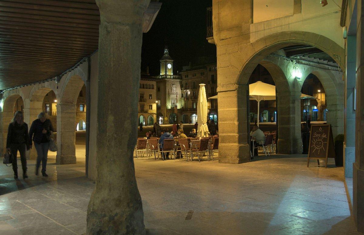 Vic Plaça Major di notte