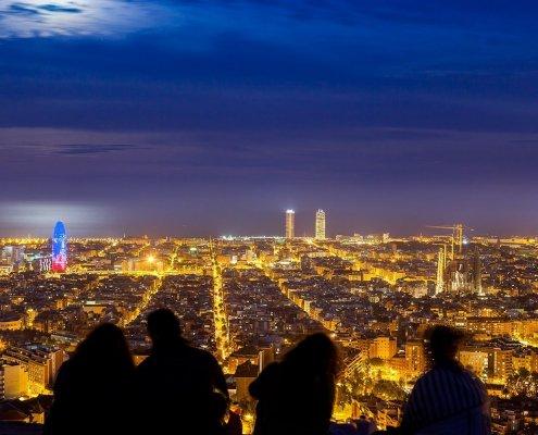 Barcellona vista dal colle Turó de la Rovira