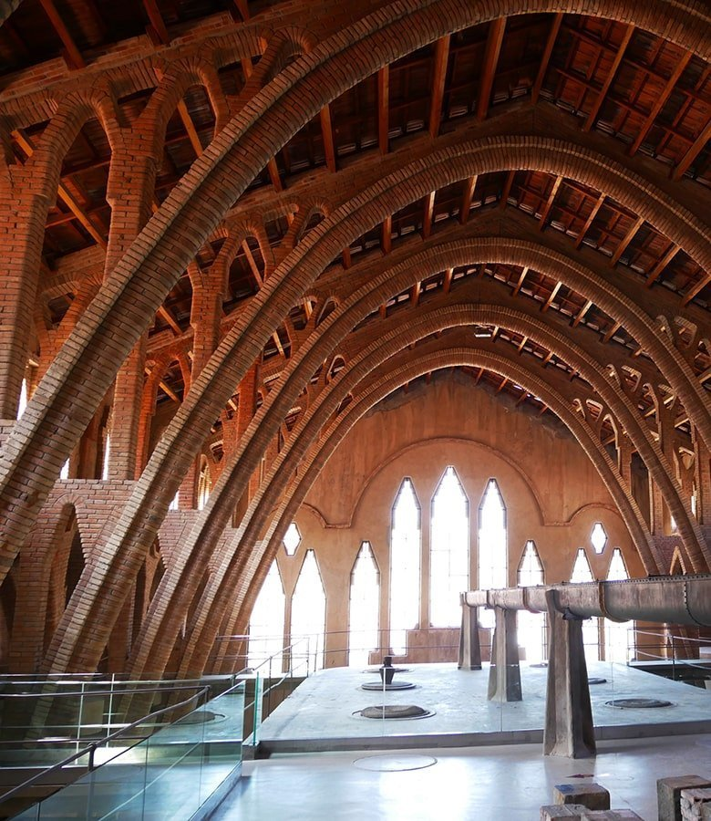 Interno della cattedrale del vino Pinell de Brai