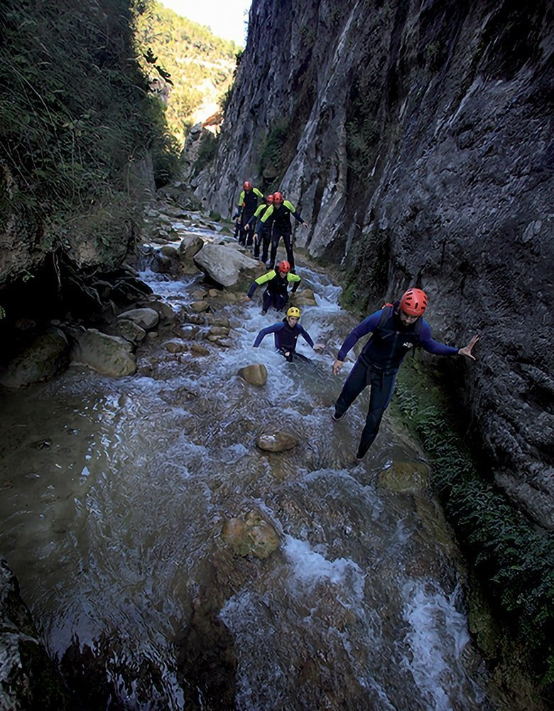 Canyoning, sport d'acqua in montagna