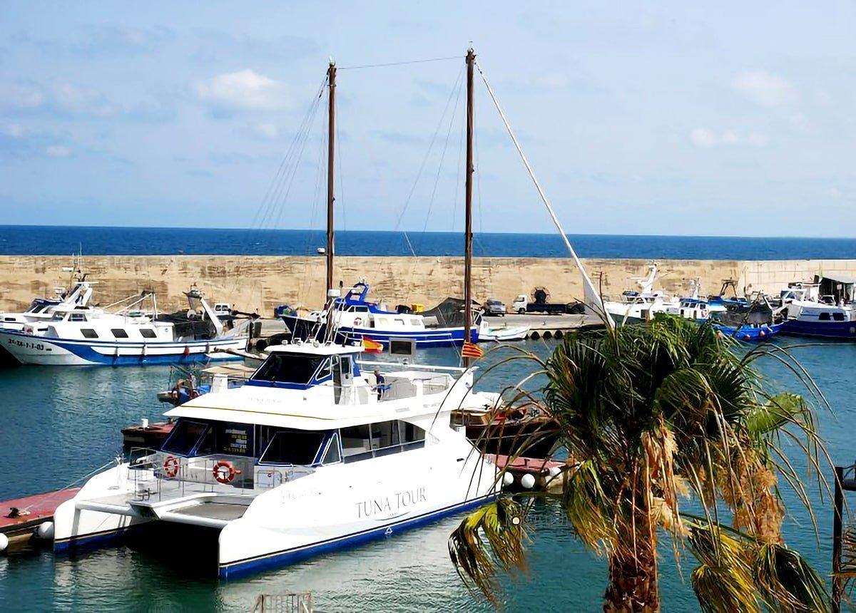 Tuna Tour catamarano