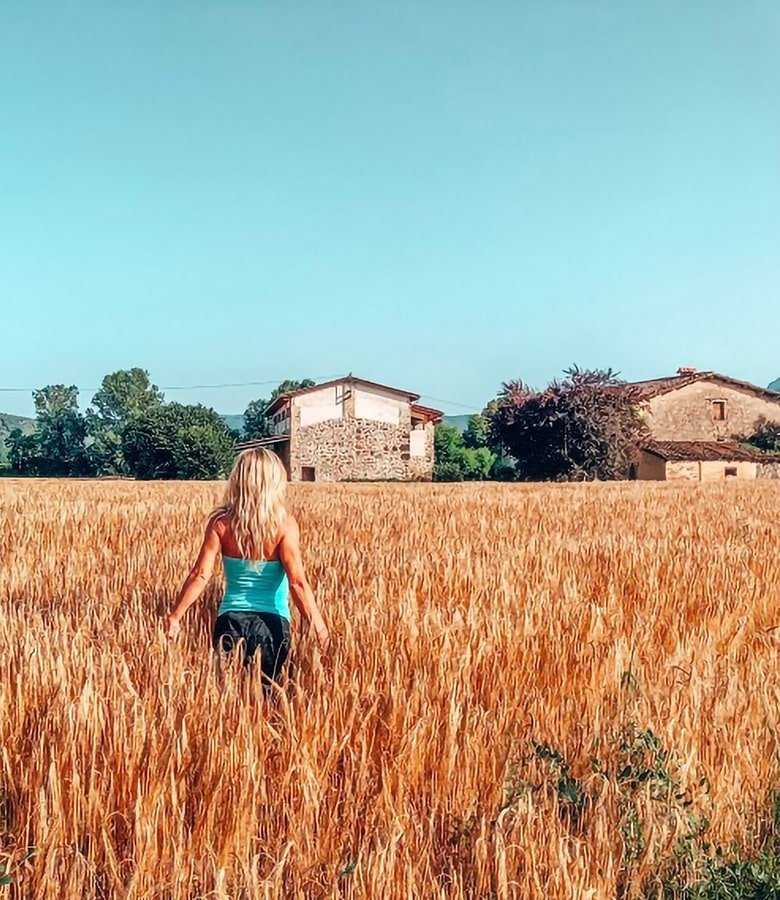 Catalunya con bambini: campi di grano Vall d'En Bas